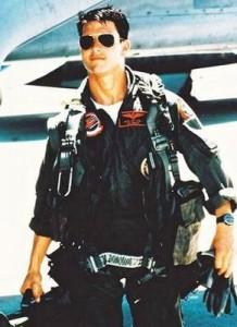 Tom Cruise wearing Aviators in Top Gun